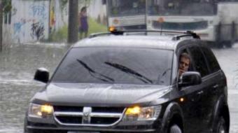 Na enchente, seu carro funciona como um aspirador de pó